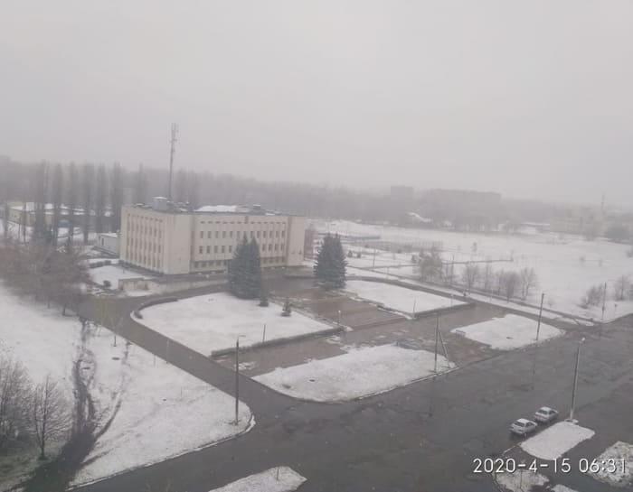 апрельский снег в Первомайском