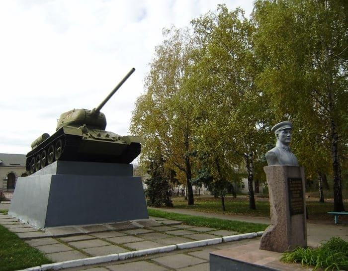 танк памятник Копцову