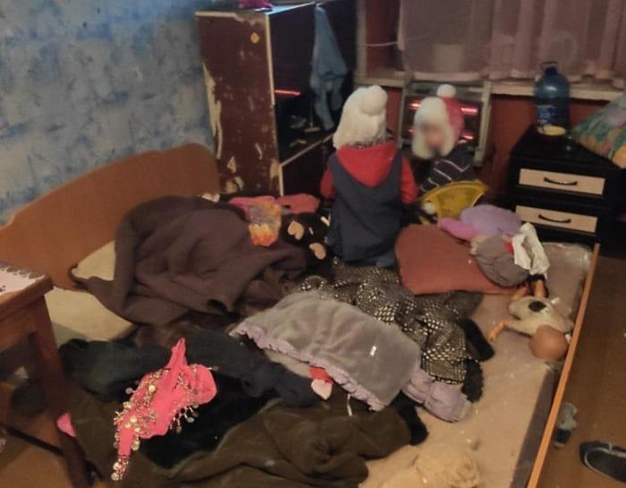 дети в общежитии